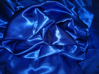 Satin royalblau